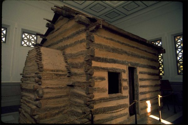 abraham lincoln birthplace log cabin